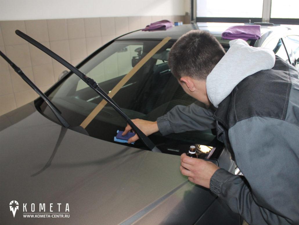 Обработка лобового стелкла антидождь