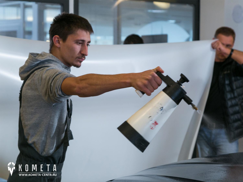 Нанесение пленки на Porsche Macan рисунок 2